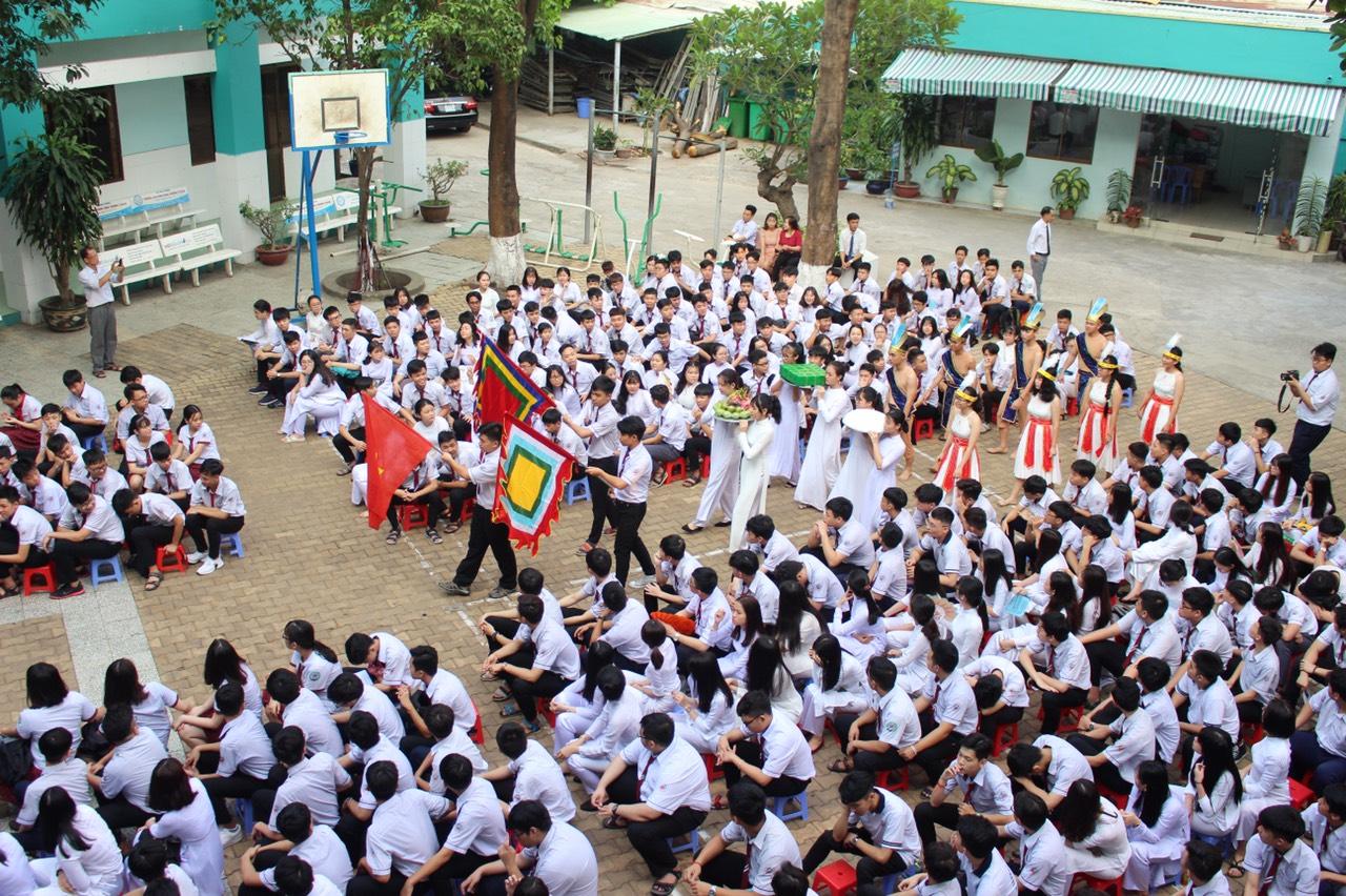 Trường THCS & THPT Hồng Đức vinh danh trong top 10 trường tư thục tốt nhất TPHCM