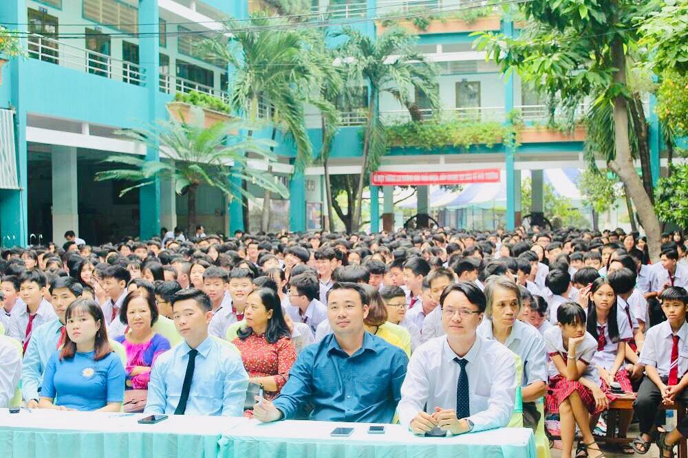 Trường Hồng Đức mừng ngày lễ Nhà Giáo Việt Nam 20-11