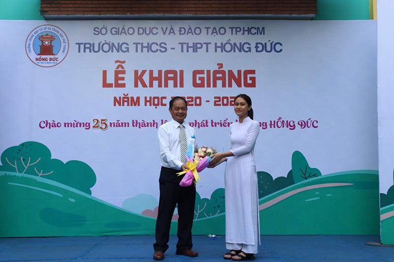 hoc-phi-truong-hong-duc